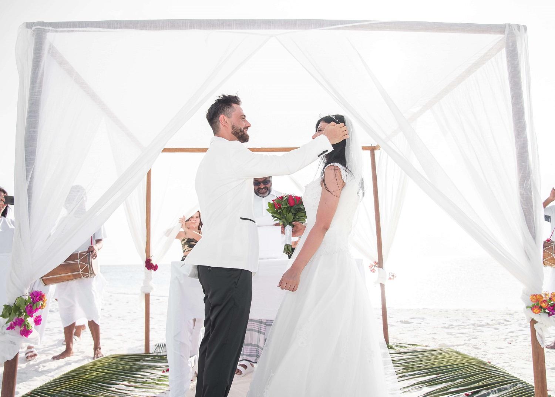 Jak rozłożyć i złożyć namiot weselny