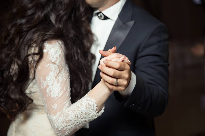 Jak wybrać idealną suknię ślubną